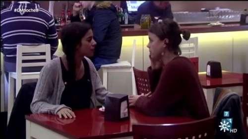 Experimento social Cómo reacciona la gente al ver a una madre que no acepta la homosexualidad de su hija
