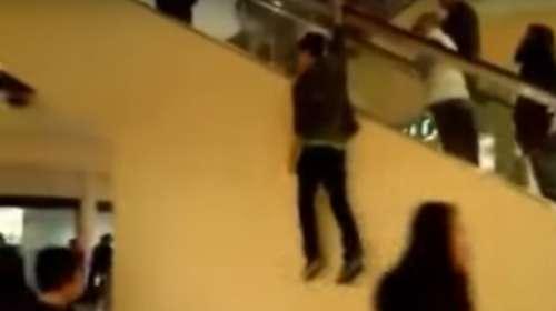 Hace una arriesgada broma en el centro comercial y sufre un accidente
